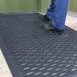 Clean-Scrape Rubber Entrance Mat In Use