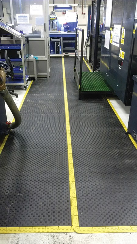 Comfy-Grip Oil Resistant Anti-Slip Mat In Use