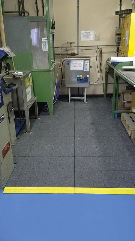 Link-Tile Solid-Top Anti-Fatigue Mat In Use
