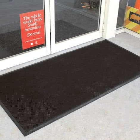 Maxi-Guard Rubber Finger Tip Entrance Mat In Use