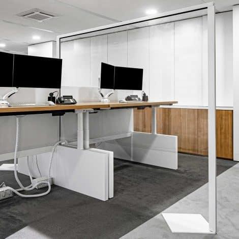 FreeStand Protection Screen - Between Desk